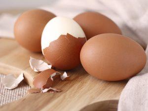 Jak snadno loupat uvařená vejce?