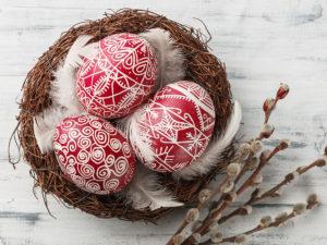 Jak kreativně ozdobit velikonoční vajíčka